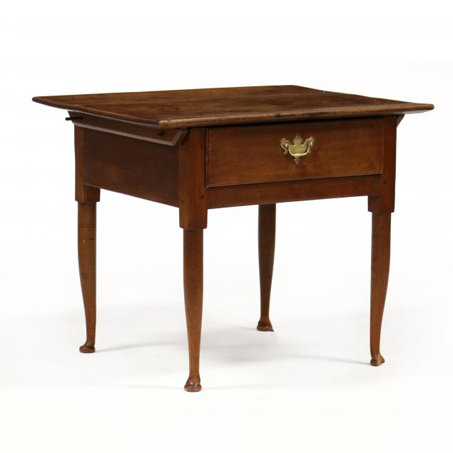 southern-queen-anne-walnut-one-drawer-tavern-table
