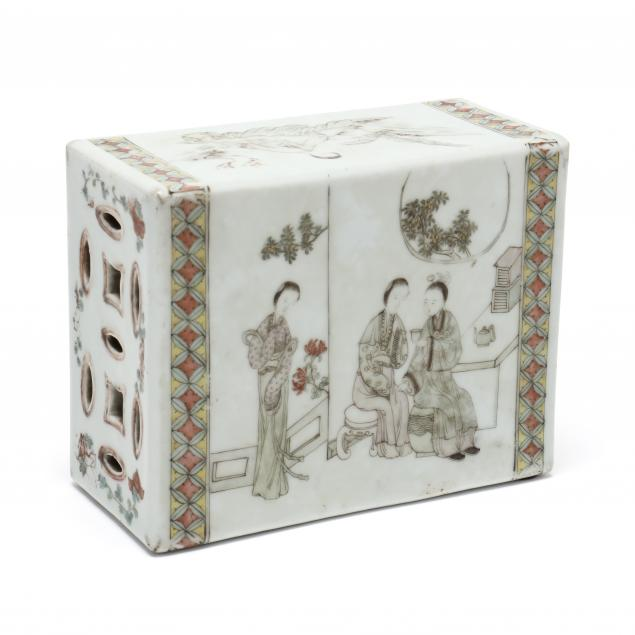 a-chinese-famille-rose-porcelain-pillow