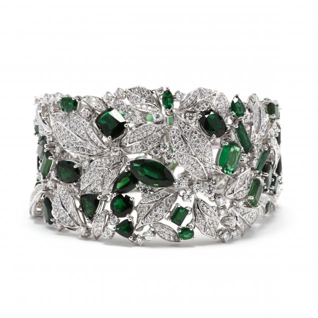 18kt-white-gold-diamond-and-green-tourmaline-bracelet-akms