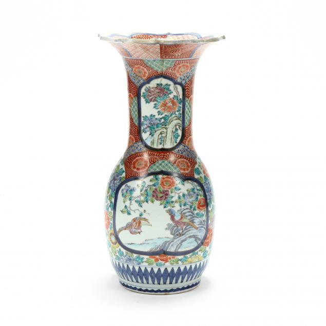a-large-japanese-kakiemon-vase