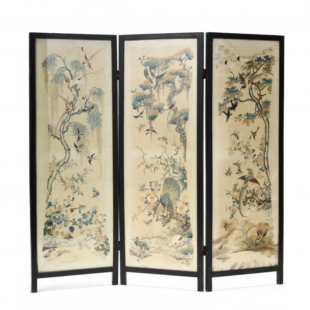 a-wooden-screen-with-chinese-silk-embroidered-panels