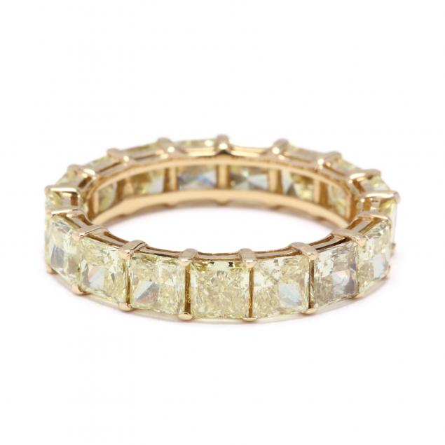 gold-and-fancy-color-diamond-eternity-band