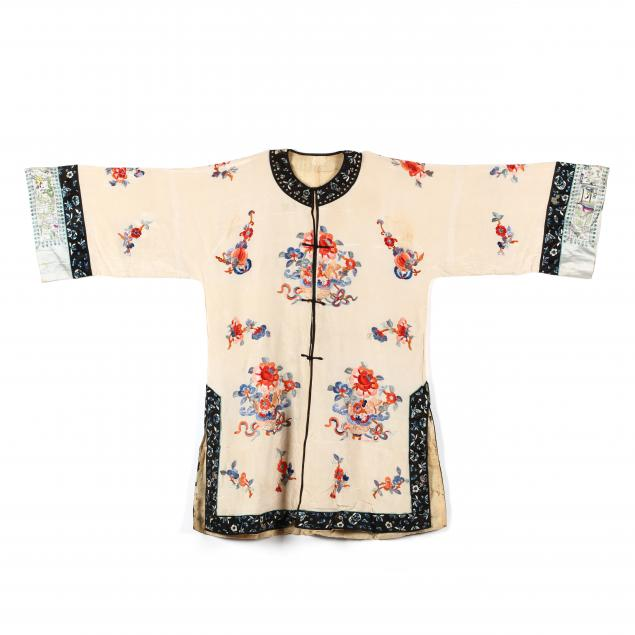 a-chinese-embroidered-silk-robe