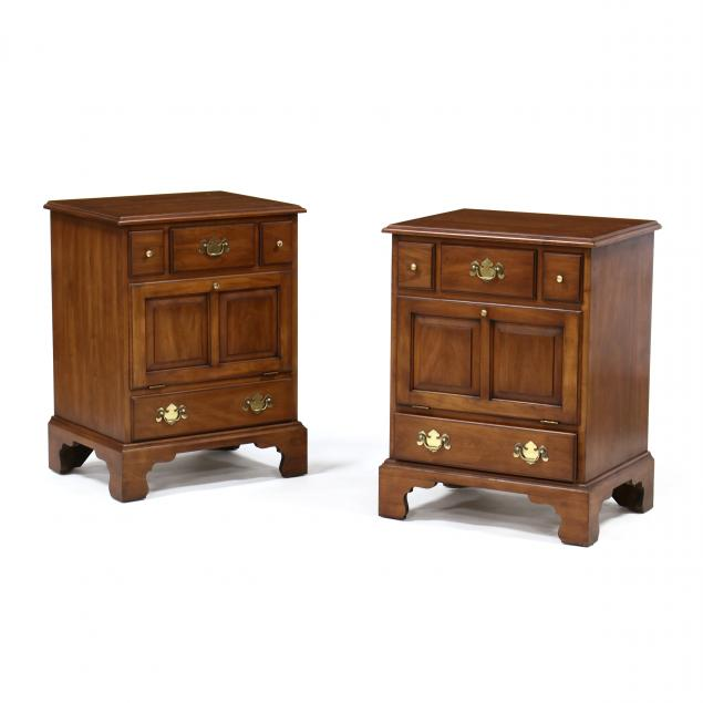 henkel-harris-pair-of-chippendale-style-bedside-chests