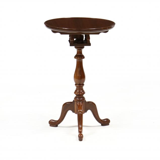 pug-moore-queen-anne-style-mahogany-candle-stand
