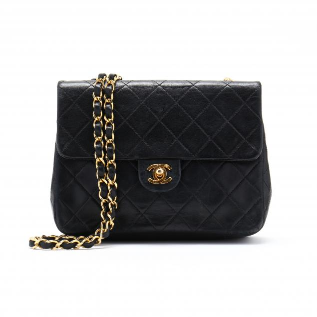 vintage-classic-black-quilted-mini-flap-bag-chanel