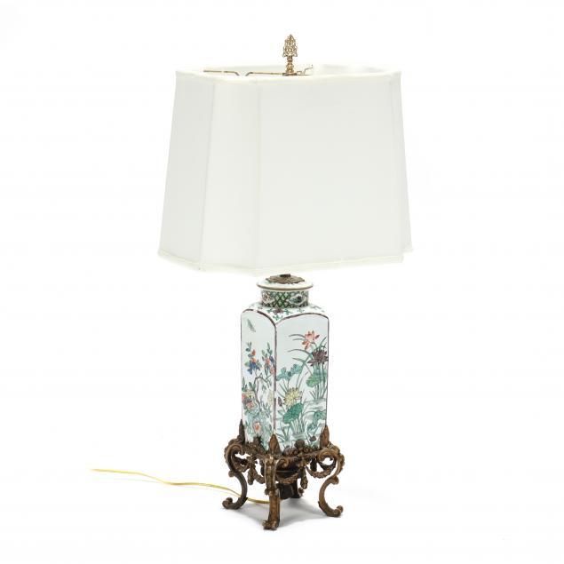 chinoiserie-ormolu-mounted-porcelain-table-lamp