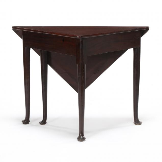 virginia-queen-anne-mahogany-drop-leaf-corner-table