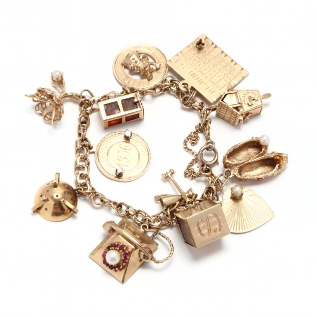 gold-charm-bracelet