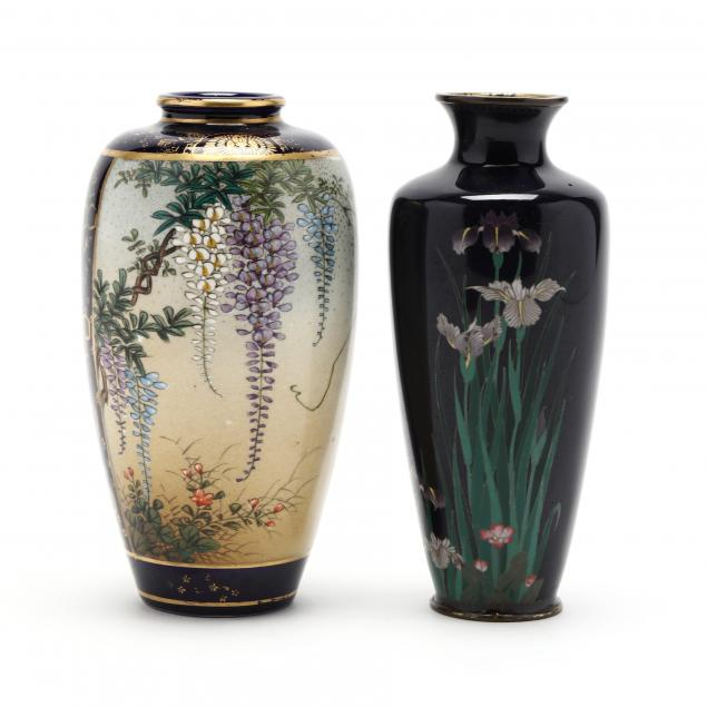 two-japanese-vases