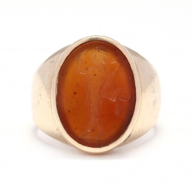 gold-intaglio-ring