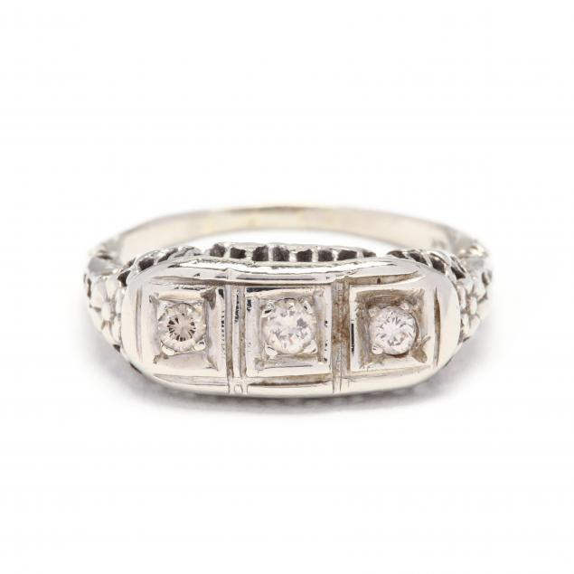 14kt-white-gold-and-diamond-ring