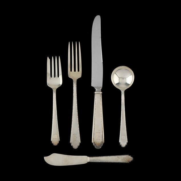 lunt-william-and-mary-sterling-silver-flatware-service