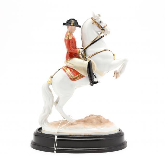 augarten-hofburg-wien-courbette-porcelain-figurine