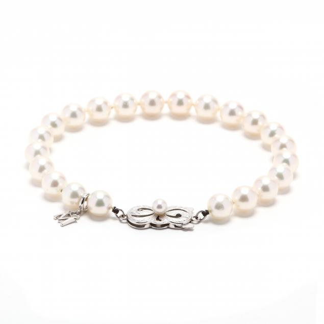 18kt-white-gold-and-pearl-bracelet-mikimoto
