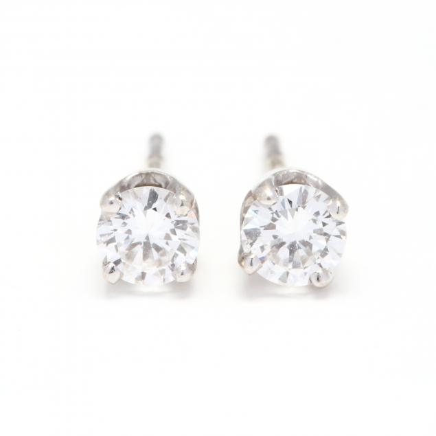 18kt-white-gold-and-diamond-stud-earrings-hearts-on-fire