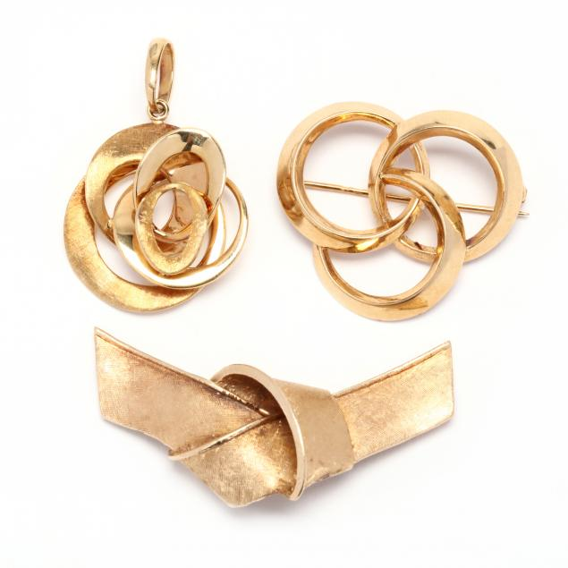 three-gold-knot-motif-jewelry-items