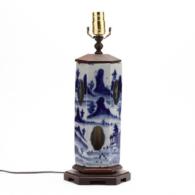 a-chinese-porcelain-blue-and-white-hat-stand-lamp