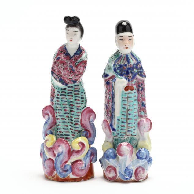 a-pair-of-chinese-famille-rose-porcelain-figures
