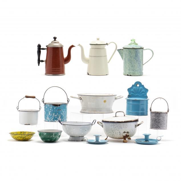 group-of-vintage-graniteware-14