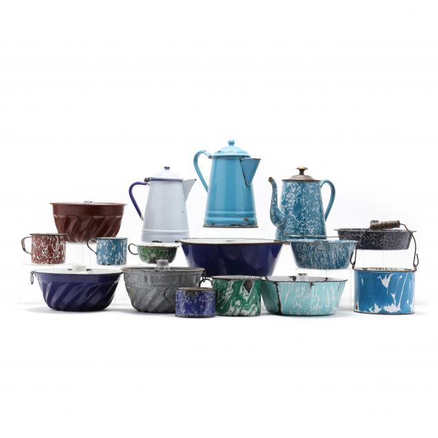 group-of-vintage-graniteware-featuring-molds-16