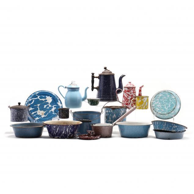 group-of-vintage-graniteware-18