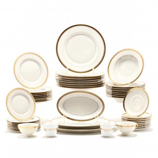 an-assembled-china-dinnerware-service