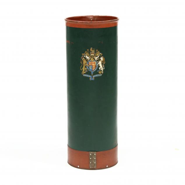 vintage-english-coat-of-arms-receptacle
