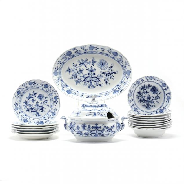 a-partial-set-of-meissen-blue-onion-china-17-pieces