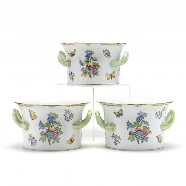 three-herend-porcelain-cachepots-queen-victoria