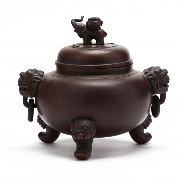a-chinese-earthenware-censer-with-cover