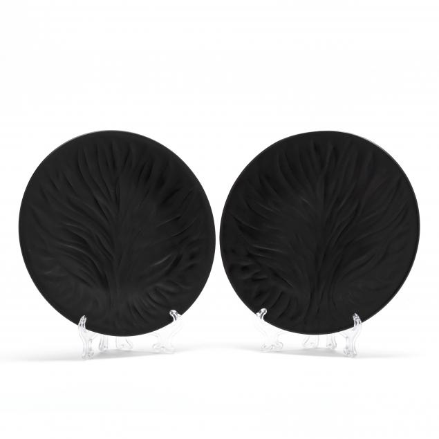 lalique-pair-of-black-tree-of-life-plates