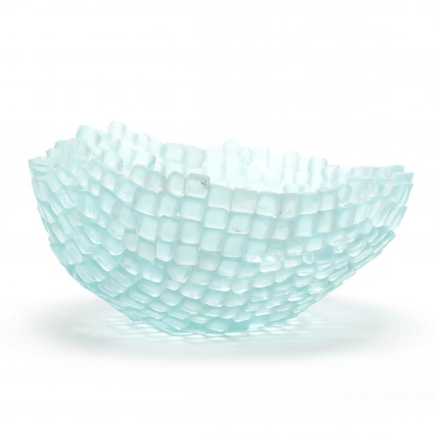 contemporary-studio-glass-center-bowl