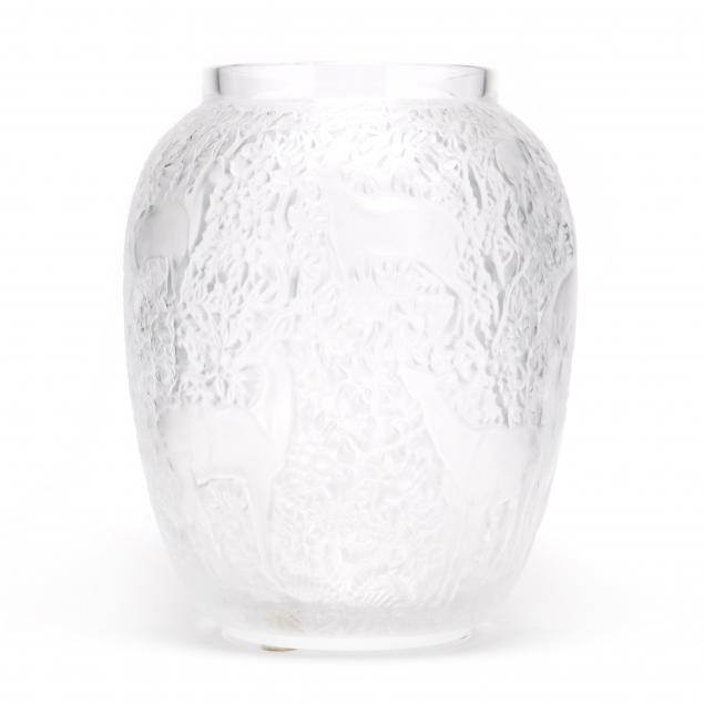 lalique-i-biches-i-crystal-vase-in-clear