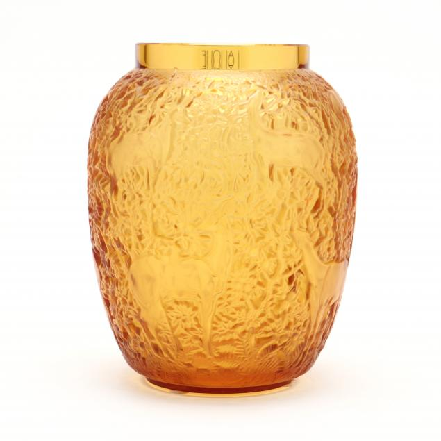 lalique-i-biches-i-glass-vase-in-amber