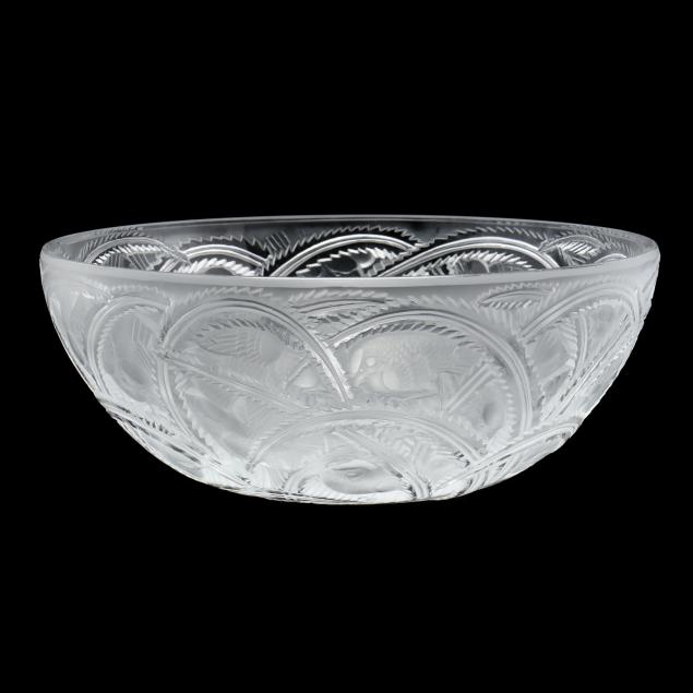 lalique-i-pinsons-i-crystal-center-bowl