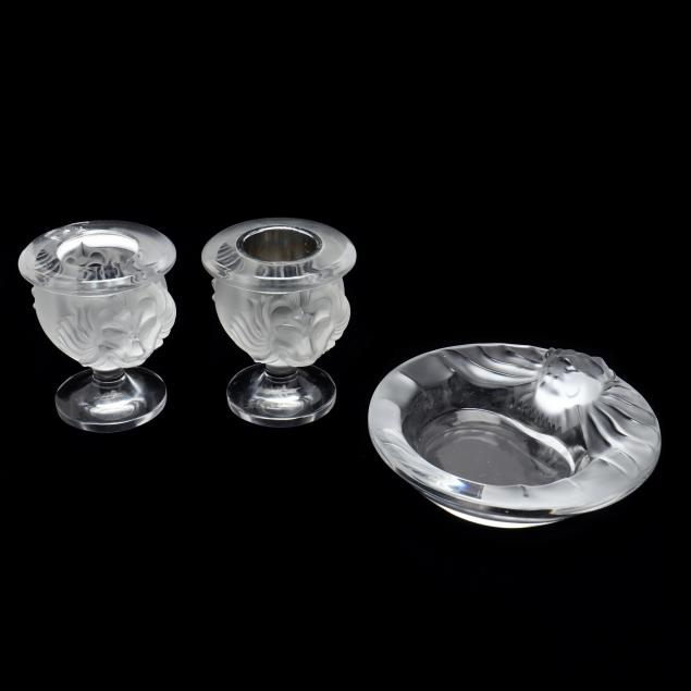 lalique-pair-of-i-tete-de-lion-i-urns-and-ash-tray