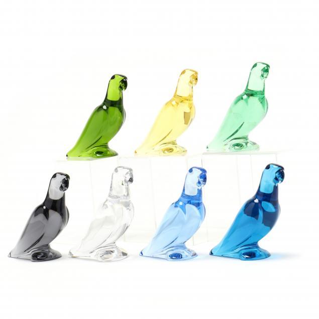 baccarat-flock-of-seven-crystal-parrots