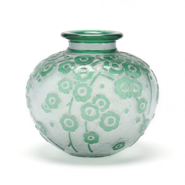 daum-large-art-deco-green-hawthorne-glass-vase
