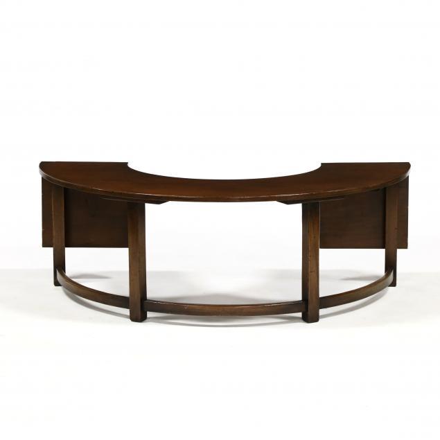 chippendale-style-diminutive-mahogany-wine-tasting-table