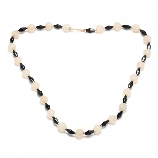 chalcedony-and-onyx-bead-necklace
