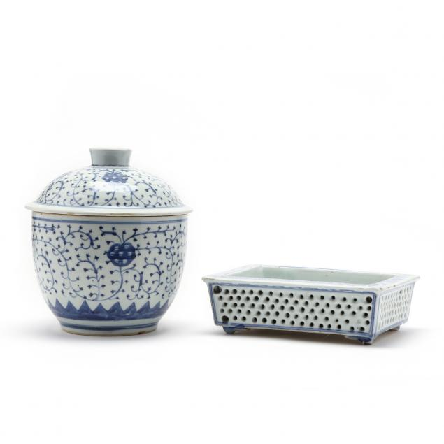 two-chinese-blue-and-white-porcelain