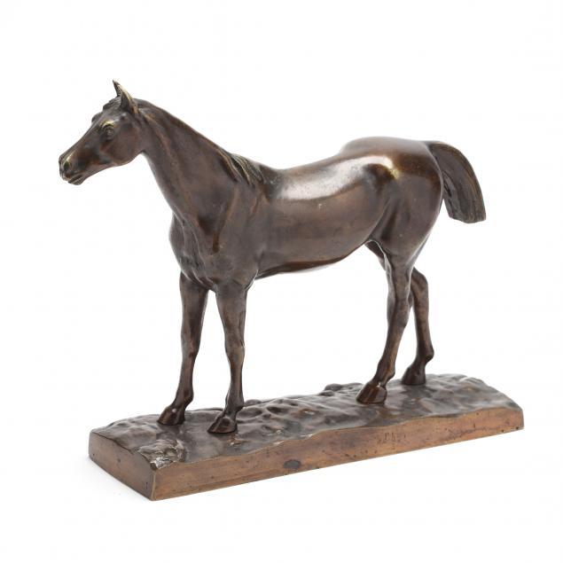 bronze-sculpture-of-a-mature-gelding