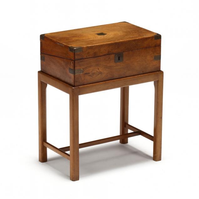 english-portable-lap-desk
