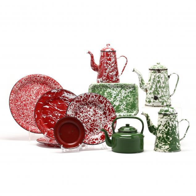 assorted-ten-enamel-and-graniteware-in-red-and-green