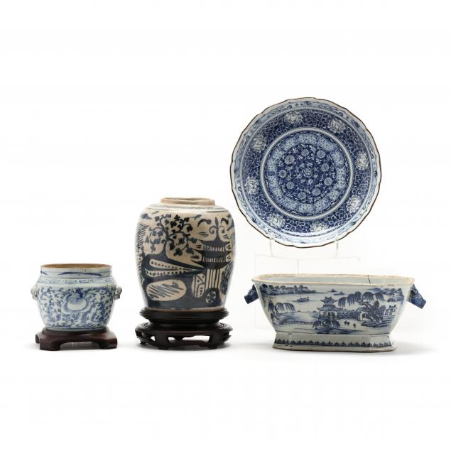 four-chinese-blue-and-white-items