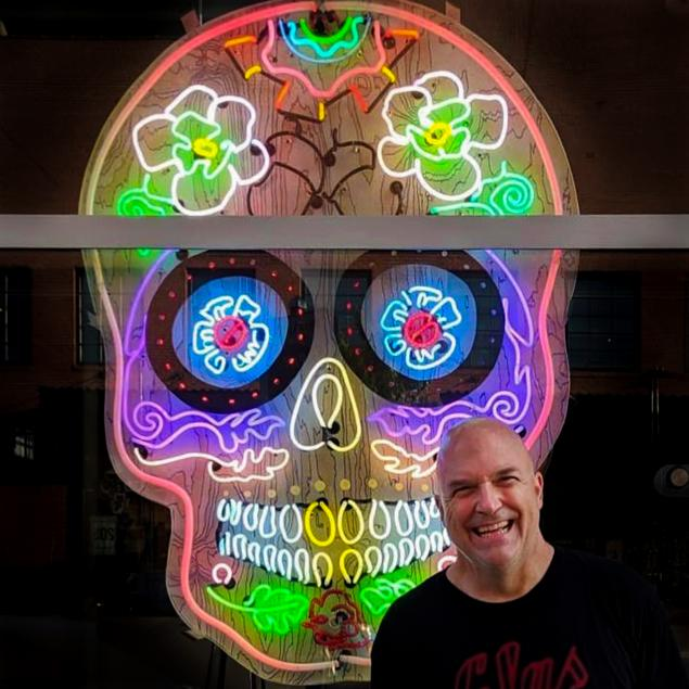 light-it-up-with-nate-sheaffer-custom-neon-wall-sculpture-from-glas-studios