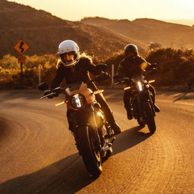 learn-to-ride-a-harley-davidson-motorcycle-in-style