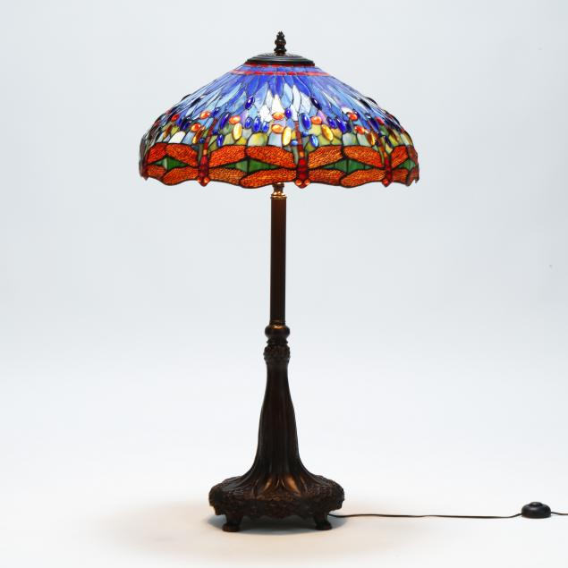 contemporary-stained-glass-dragonfly-lamp