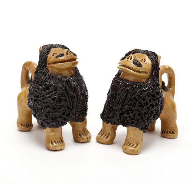 nc-folk-pottery-billy-ray-hussey-two-standing-lions